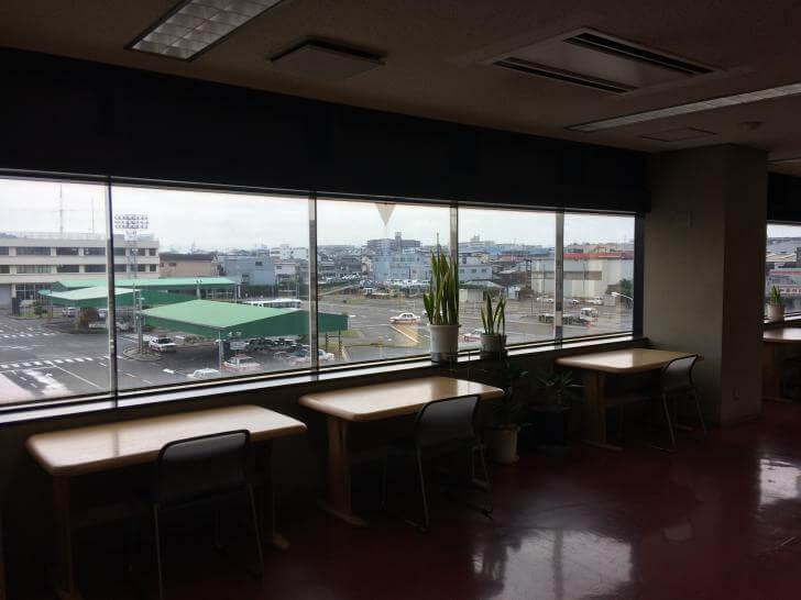 阪和鳳自動車学校・3階ロビー