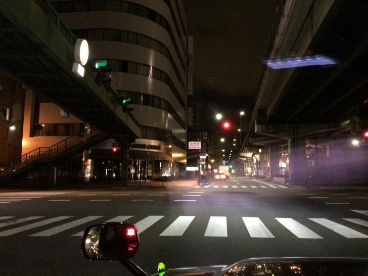 広芝町の交差点・タクシー付け待ち