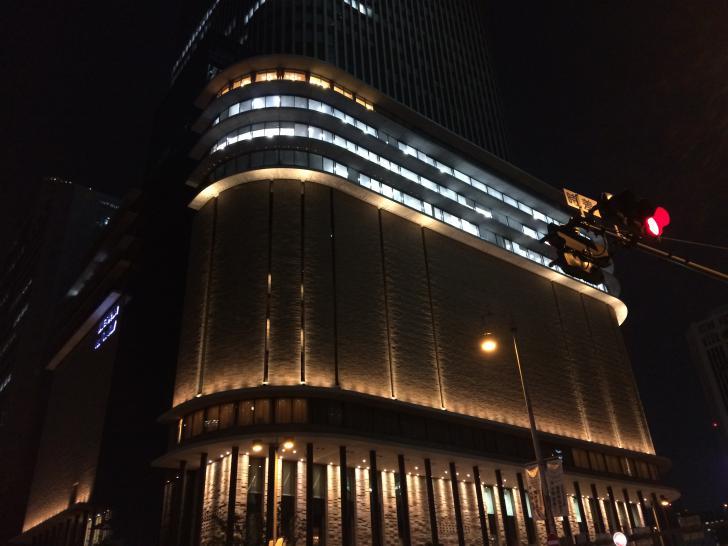 フェスティバルホール-東棟-2018-0501